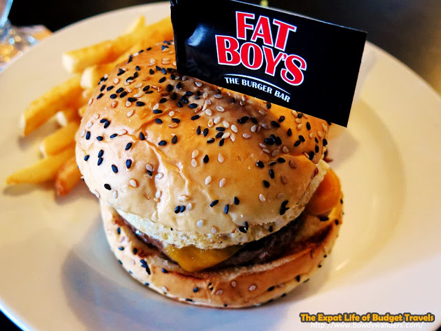 bowdywanders.com Singapore Travel Blog Philippines Photo :: Singapore :: Singapore Food Finds: Rebelling through Fat Boy's Burgers