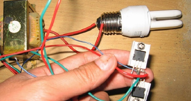 Make a simple inverter 12 volts to 220 volts