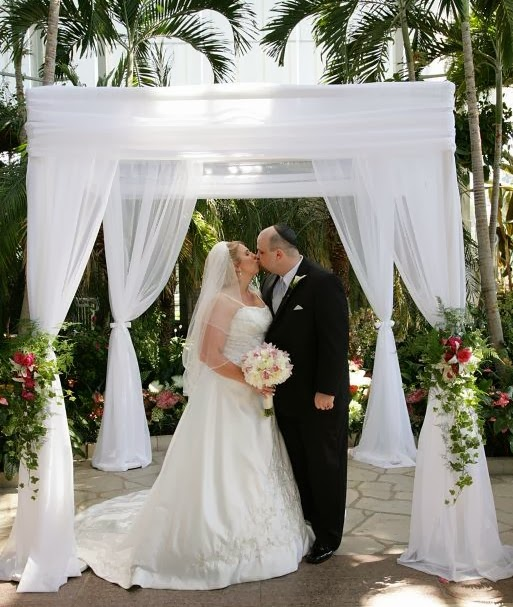Couple S Wedding Ceremony And Reception Held At The Beach: Lots Of Love, Susan