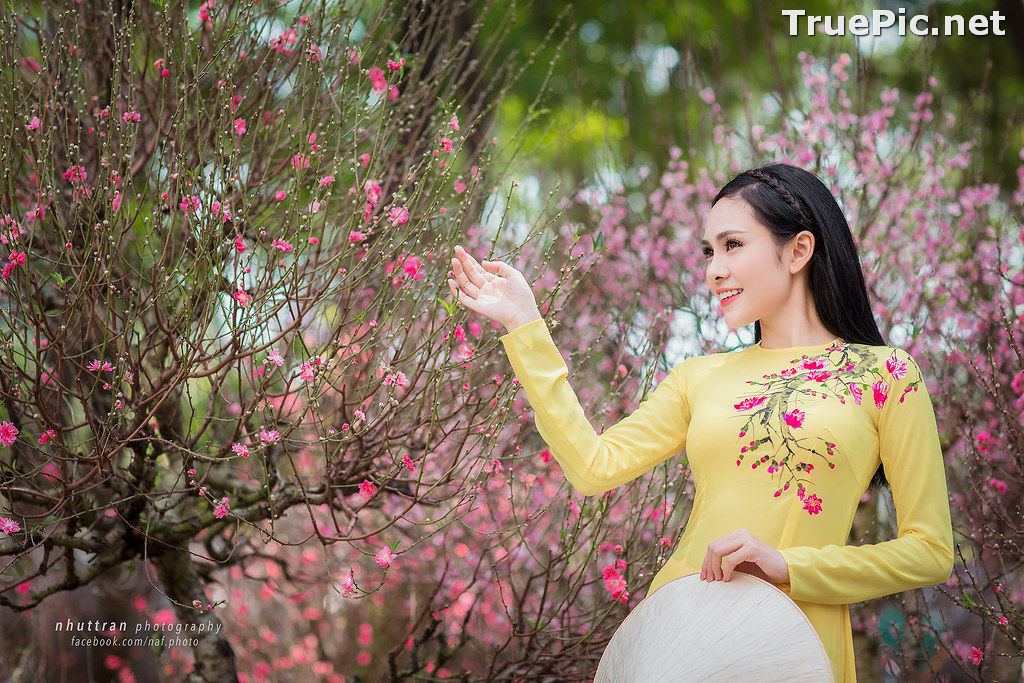 Image The Beauty of Vietnamese Girls with Traditional Dress (Ao Dai) #5 - TruePic.net - Picture-1