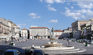 L'Aquila's elegant Piazza del Duomo, the heart of the city, as it looked in 2007