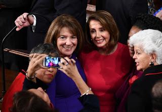 """أهمية إعادة إنتخاب السيدة نانسي بيلوسي لرئاسة """"المجلس النواب الأمريكي"""""""