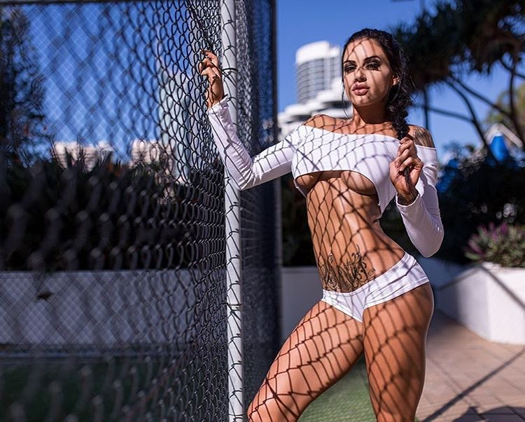 female fitness model Tasha Mackenzie