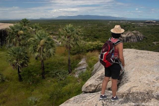 Chaval e as Pedras Gigantes - por Roberta Martins/Territórios.com