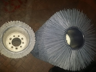 road brushes فرشاة ماكينات الطرق والشوارع  المستخدمة والجديدة عند بيت النظافة Roller brushes – offers wide range of roller brushes compatible with the most popular street sweepers on the road today. Roller Brushes offer an ideal solution for even the toughest conditions, wherever it is necessary to wash, grind, clean, remove the sand, icy mud or rubbish.  it has been designed, produced and tested in accordance to the global standards of quality by team of trained professionals. We know that our partners value products that are durable, practical and easy to use. We are proud to introduce the roller brush series that meets this demand allowing easy maintenance and servicing. We can also customize range of these products to meet the various needs of our clients and end users.