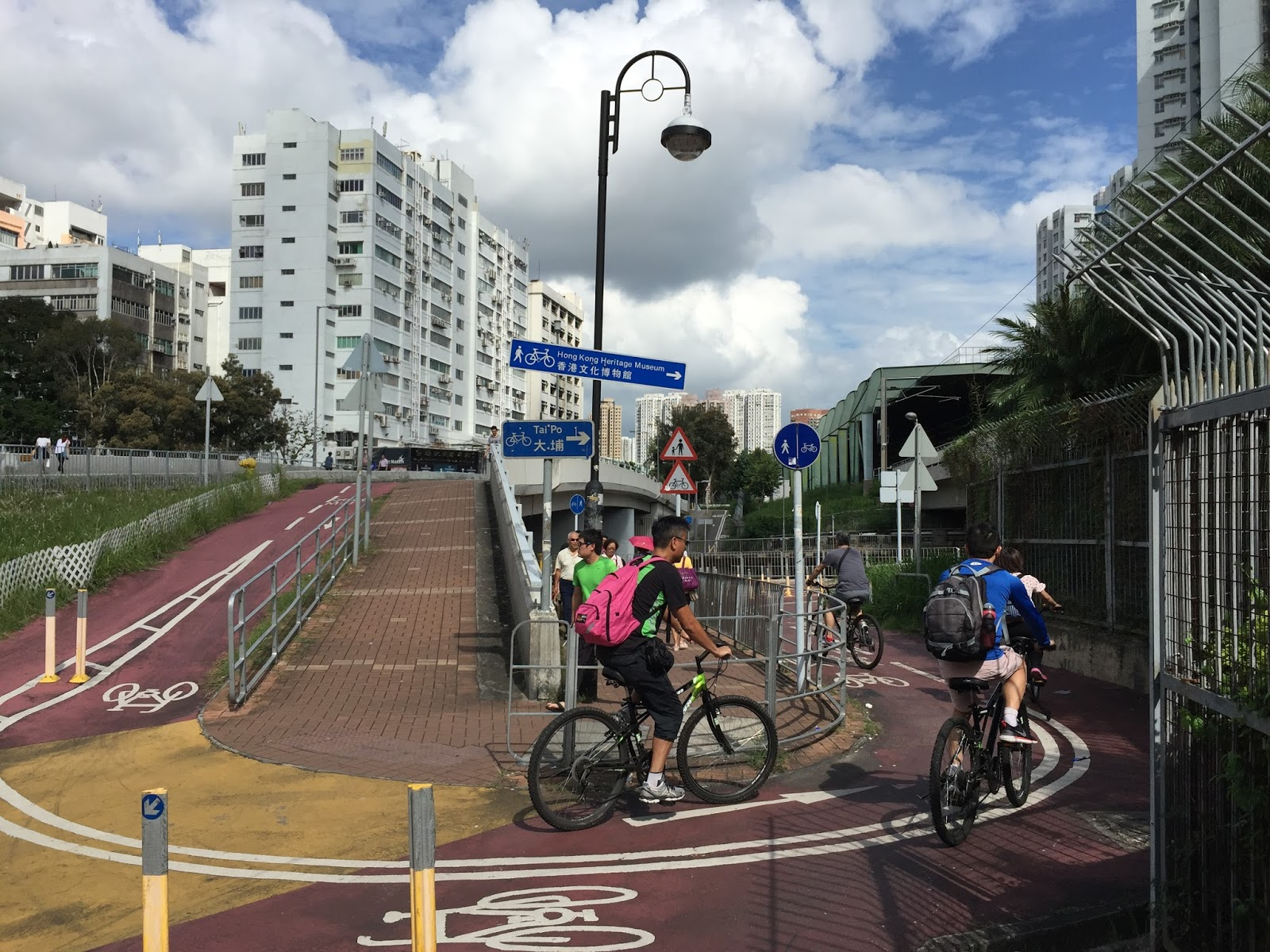 Observe the world Cycling in Hong Kong with Unobstructed
