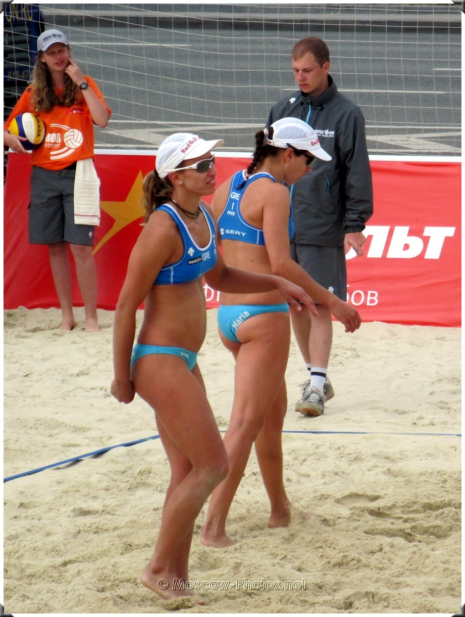 Greece volleyball girls - Vicky Arvaniti and Maria Tsiartsiani