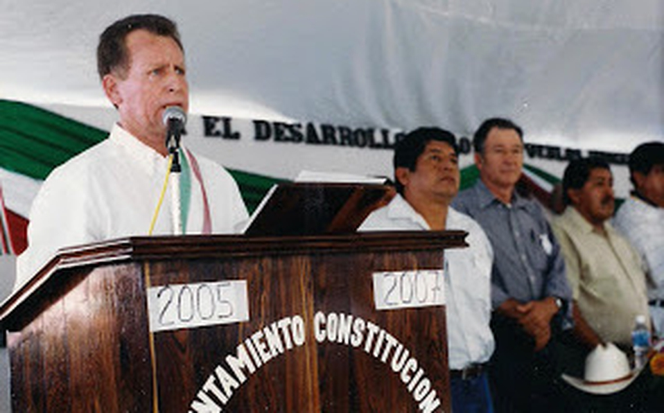 """Ejecutan al ex alcalde de Aquila, Michoacán, Mario Álvarez López """"El Chacal""""; lo rafaguearon dentro de su domicilio en Colima"""