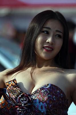 Jiang Qing, Gadis China Pemenang Kontes Payudara Terindah
