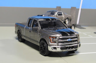 GreenLight   Hitch & Tow  ford f-150