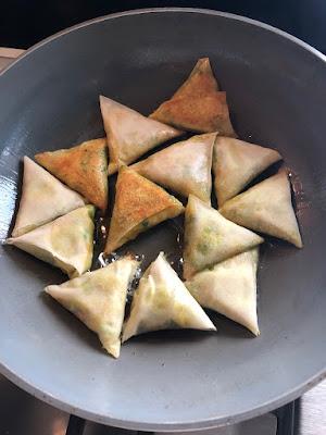 Recette des samoussas végétariens de @nourishbylu