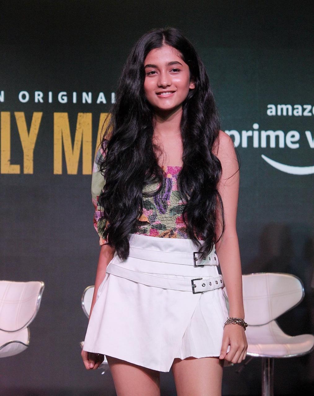 Ashlesha Thakur 4