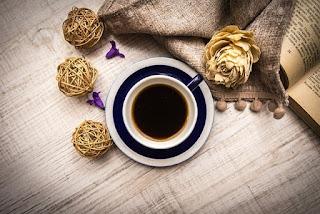 menetralkan radikal bebas dengan minum kopi