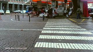 กระเบื้องปูพื้น, การปูพื้นถนน, พื้นถนน, การทำถนน, ถนนในอดีต, การสร้างทาง, sampietrino, strada, pavimento, construction, diaryontour, diary on your, Corso Vittorio Alfieri, piazza San Pietro, Piazza Alfieri, San Pietro, Roma, Rome, vatican