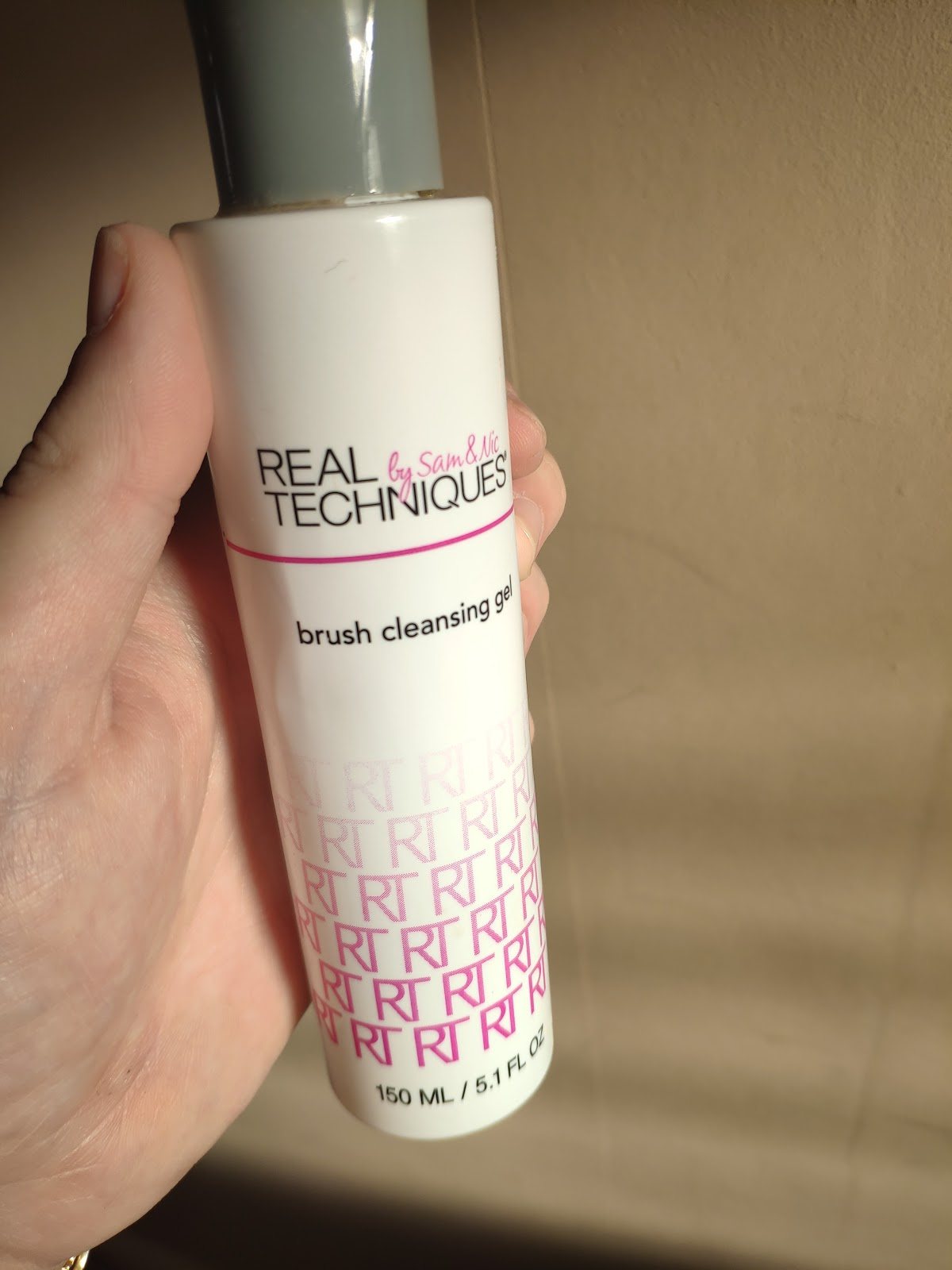 I've been using the Real Techniques Deep Cleansing Gel combined with the brushegg to get my brushes super clean for a while now.