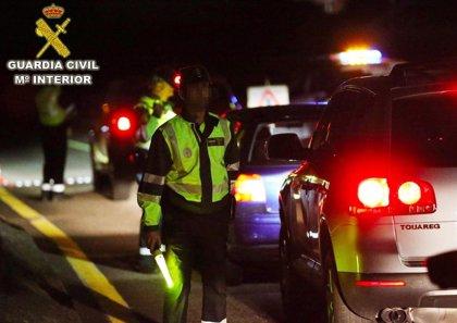 """Investigado un conductor que circulaba de forma """"errática"""" por la AP-9 en Barro y cuadriplicó la tasa de alcohol"""