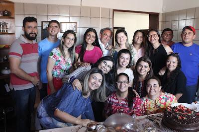 Imagens do aniversário surpresa da primeira dama Vênus Cavalcante ...