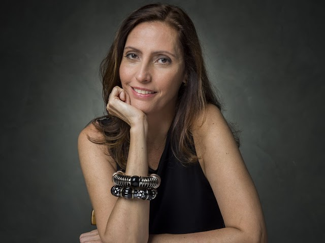 """""""'Pega Pega' foi meu primeiro trabalho de expressão própria"""", diz autora Claudia Souto"""
