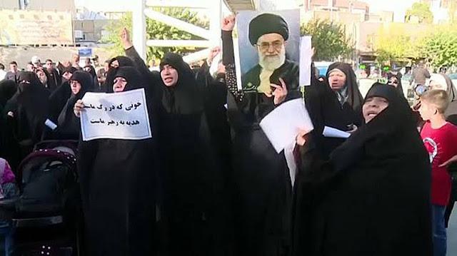 Protesta en Iran por permitir mujeres en los estadios