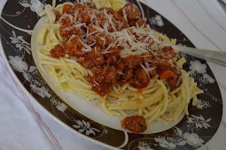 http://kuechenakrobatin.blogspot.de/2015/06/spaghetti-bolognesetobt-euch-aus-ohne.html