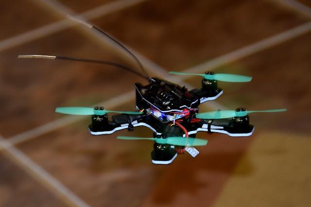 5 Tips Aman Bermain Micro Drone di Dalam Ruangan