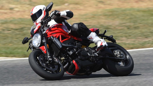 Ducati Monster 1200 R: Again! Ready to bite!