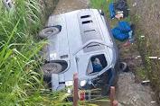 Mobil Elf Terjun Ke Sungai di Bayongbong-Garut, 1 Penumpang Meninggal Dunia