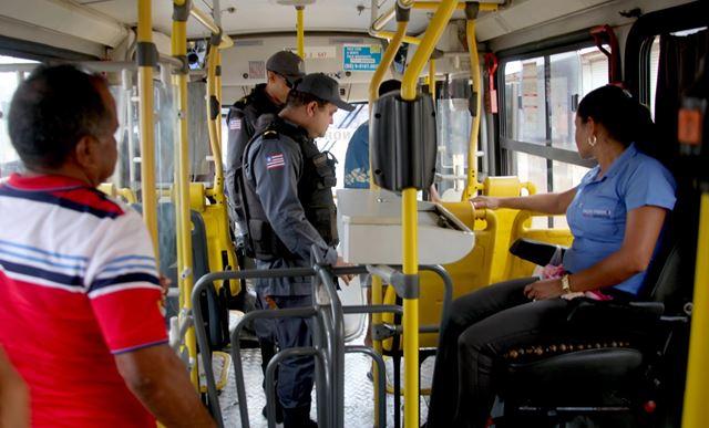 Policiais militares intensificaram as ações de policiamento