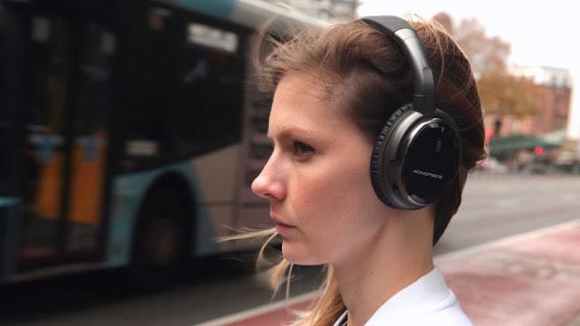 Doctors Warn People Who Keep Their Headphones