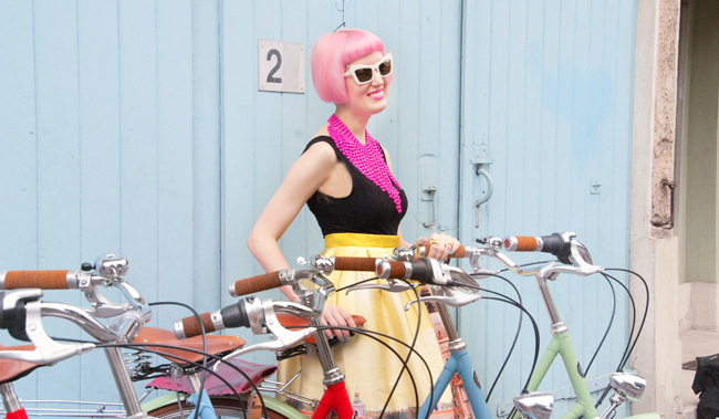 blogger, bicycle, pink hair