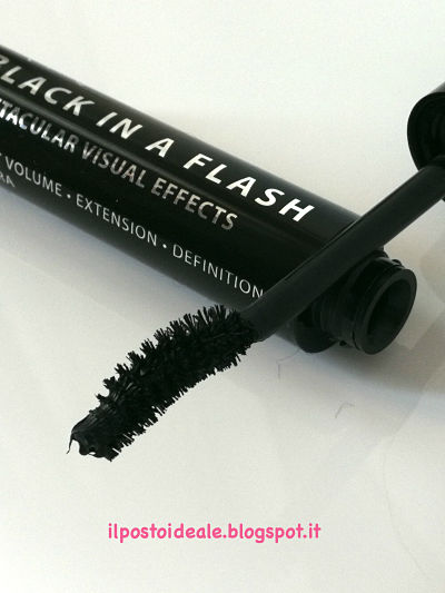 Karaja Black in a Flash Mascara