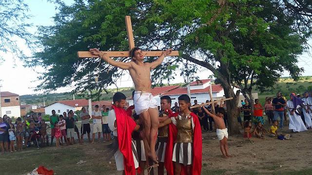 Resultado de imagem para jovens encenação a paixão de cristo varzea rn vnt