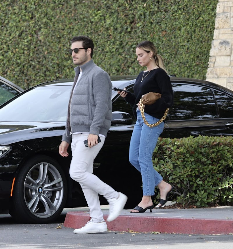 Amanda Stanton and Michael Fogel Out in Newport Beach 3 May-2021