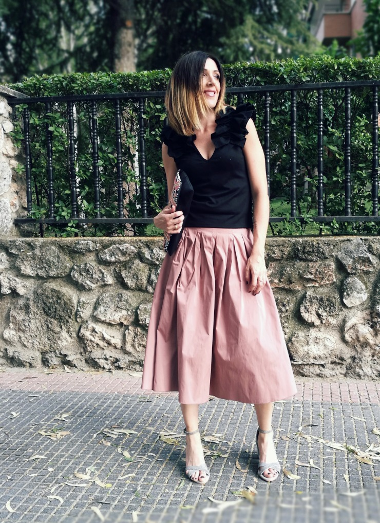 11.07.2017 #LOOK. Nude Midi Skirt