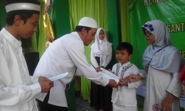 Yayasan Insan Guna Santuni Puluhan Yatim dan Resmikan Sekolah Terbuka