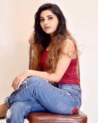Anushka Srivastav picture