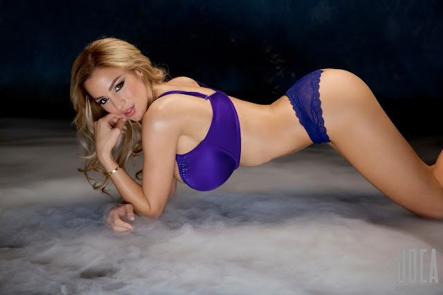 Jordan-Carver-WWL-Photo-Shoot-in-Hot-Blue-Bikini-HD-Picture-17