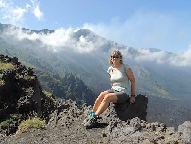 veduta sull'Etna e la valle del bove