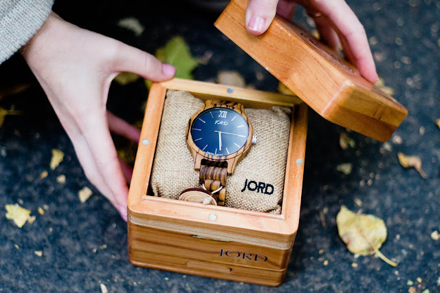 word wood watch in jewelry box