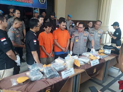 Ditresnarkoba Polda Jambi Berhasil Gagalkan Penyelundupan Narkoba Jenis Sabu Dan Pil Ektasy