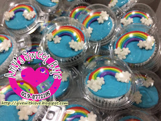 Domelid containers for cupcakes. RM0.35 per piece