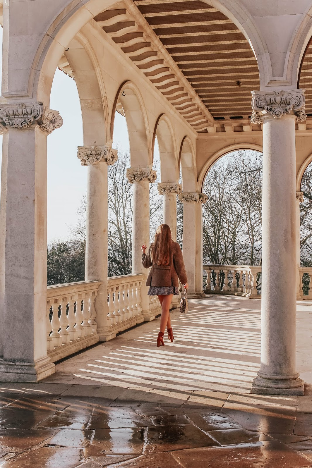 luxury london fashion blogger 2019