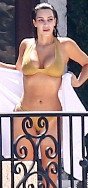 Kim Kardashian Hot Show in Sexy Lacy White Lingerie