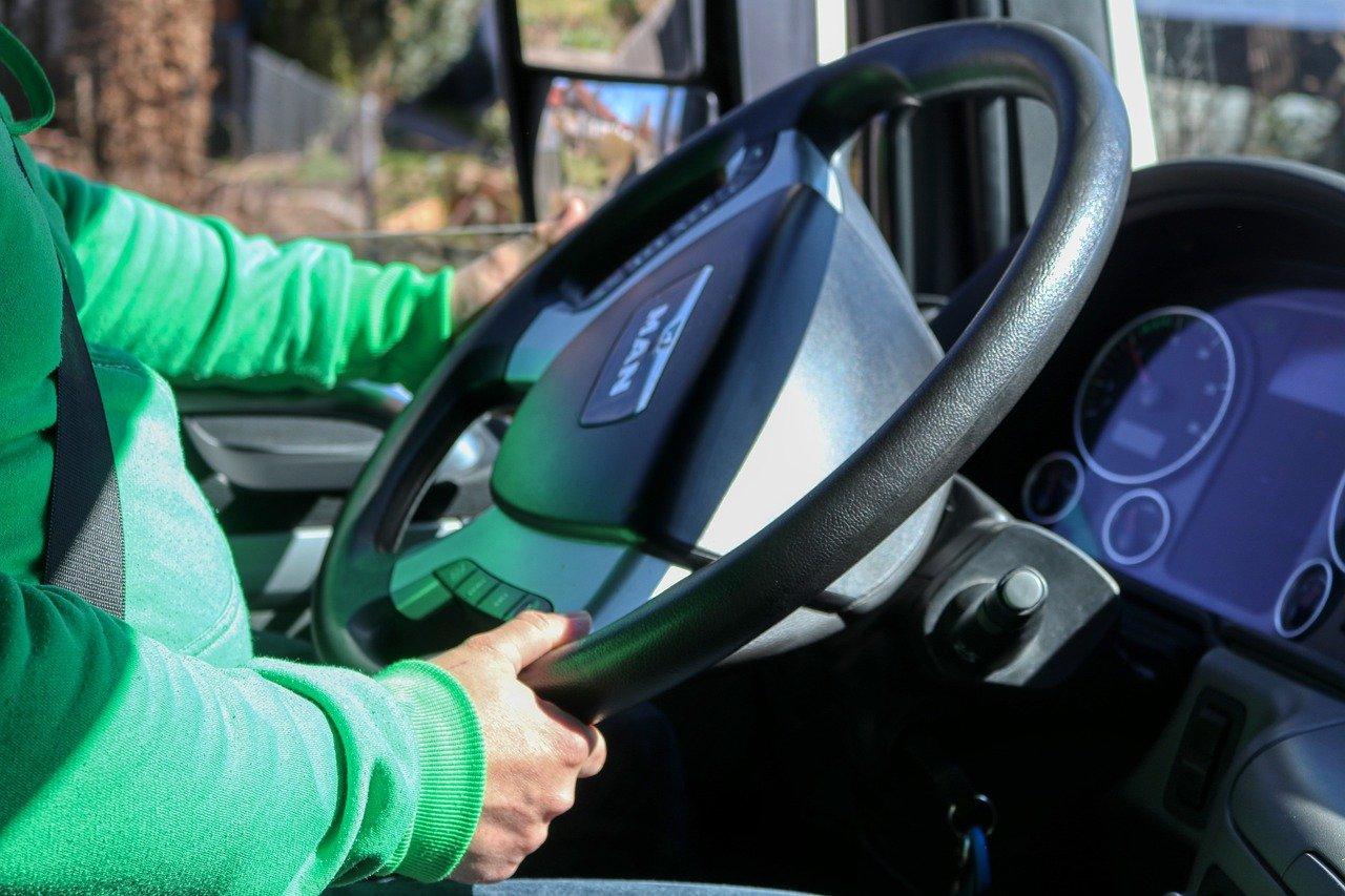 Contoh Application Letter Untuk Driver Pengiriman/Delivery/Expedisi (Fresh Graduate)