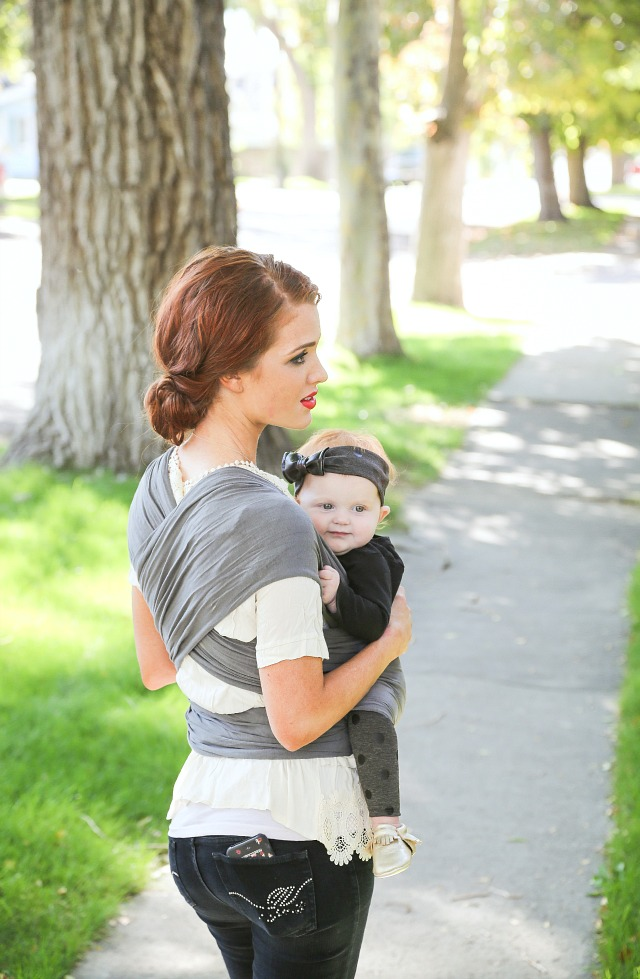 047b83ce083 The Freckled Fox  Classic Baby Wrap How-To + A Happy Baby Wrap Giveaway!