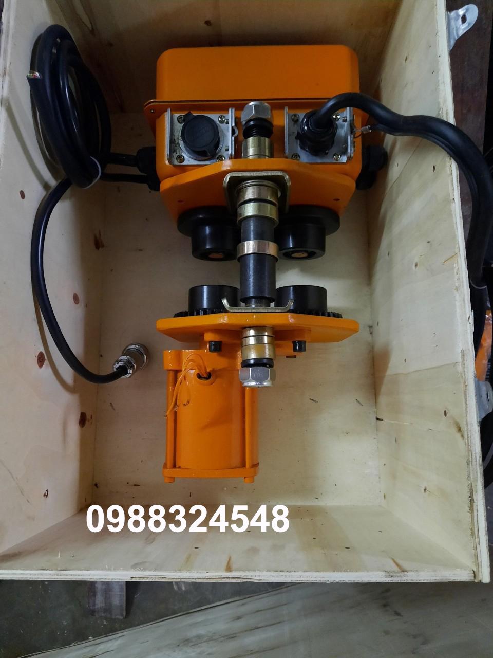 con chạy điện HAK 1 tấn ET-01