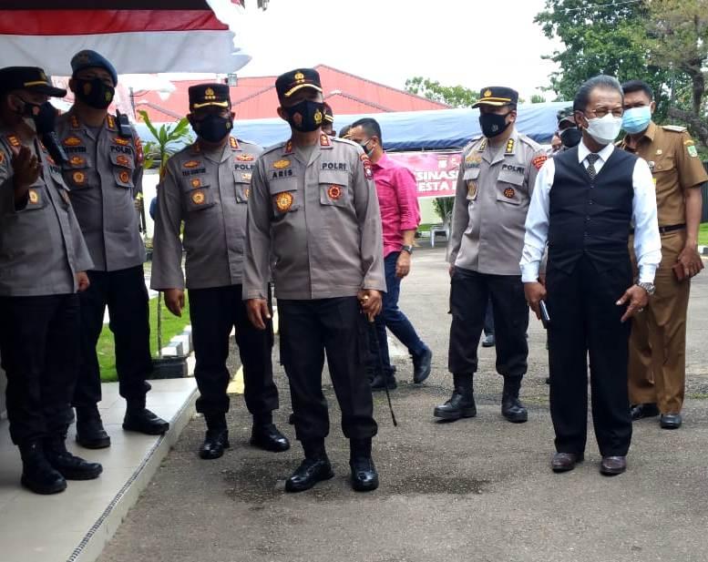 Kapolda dan Ketua DPRD Kepri, Tinjau Gerai Vaksinasi Massal di Polsek Sekupang Batam