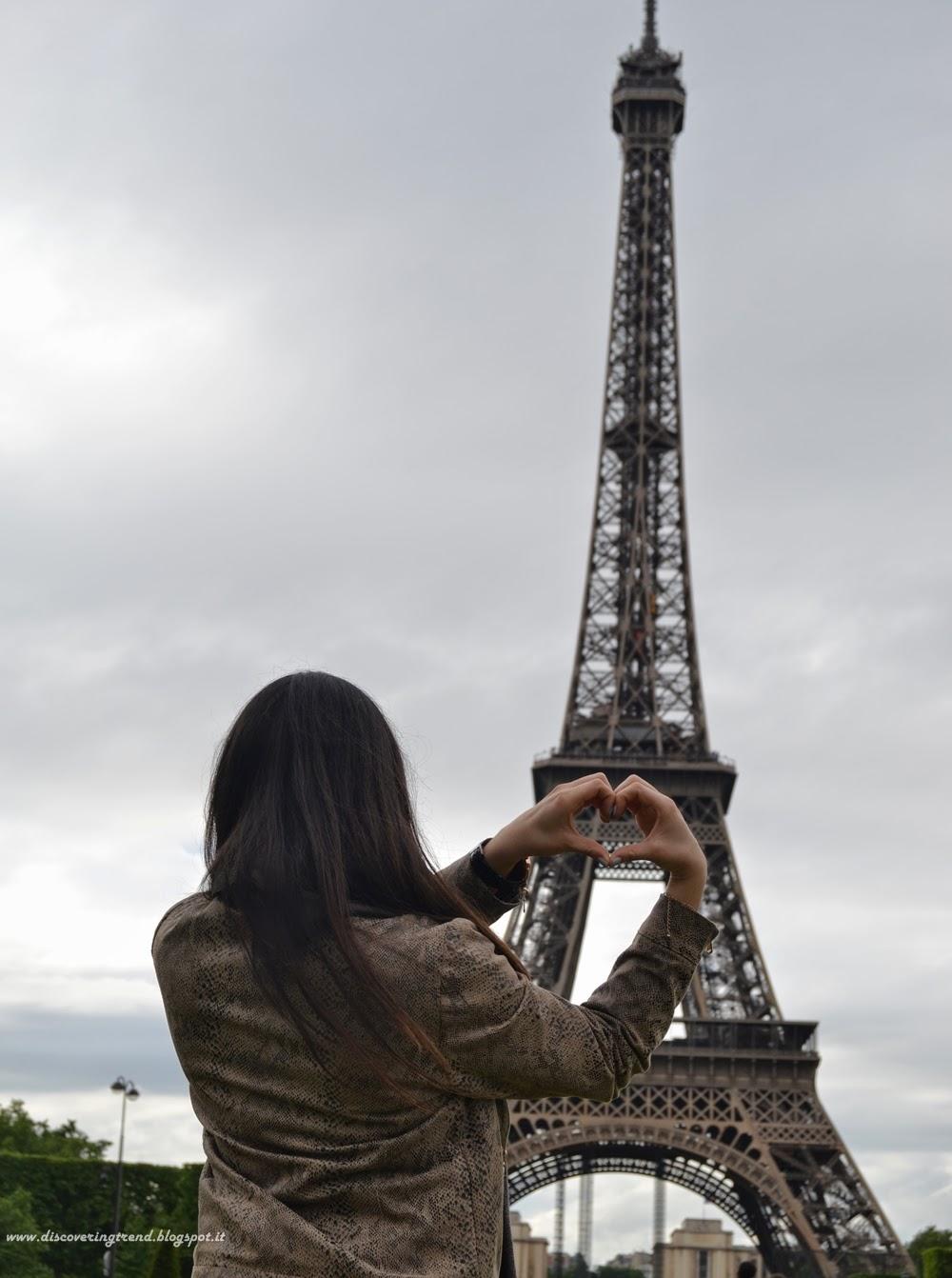 PARIGI ♡ giorno 1 : Tour Eiffel • Les Invalides • Place des ...
