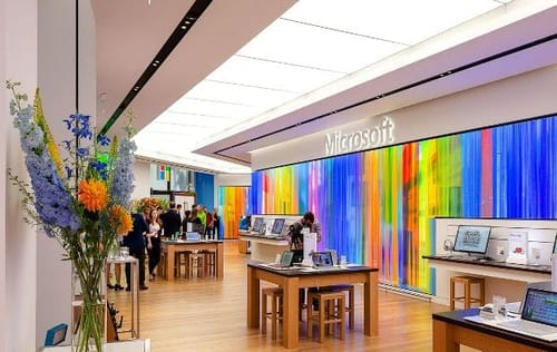 Microsoft returns to physical retail