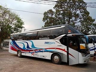 Sewa Bus Pariwisata Crew Berpengalaman